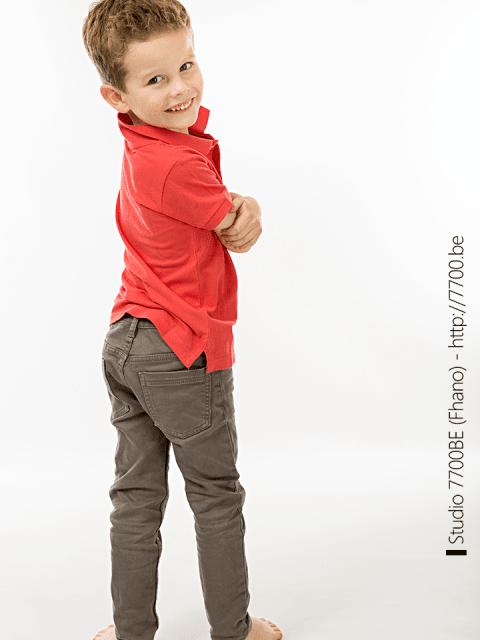 séance photo en studio 7700.BE (Fhano) pour la réalisation d'un book agence mannequin enfant